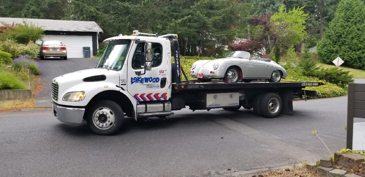 Lakewood towing the vehicle